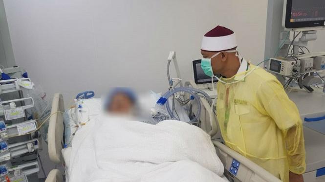 Kepala Daker Mekah Subhan Cholid memantau kondisi jemaah di RSAS Mekah