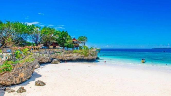 Tempat wisata pantai Tanjung Bira Sulawesi Selatan