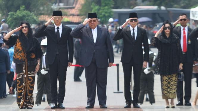 Tokoh Nasional dan Internasional Hadiri Pemakaman BJ Habibie