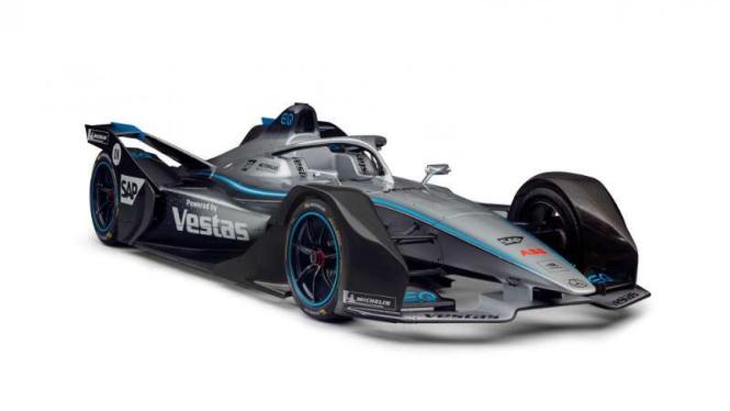Mobil balap Mercedes Formula E