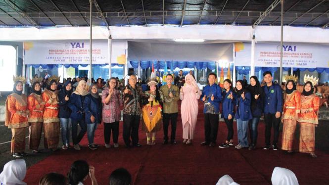 Mahasiswa Kampus YAI Bersama Jajaran Pimpinan LPT YAI