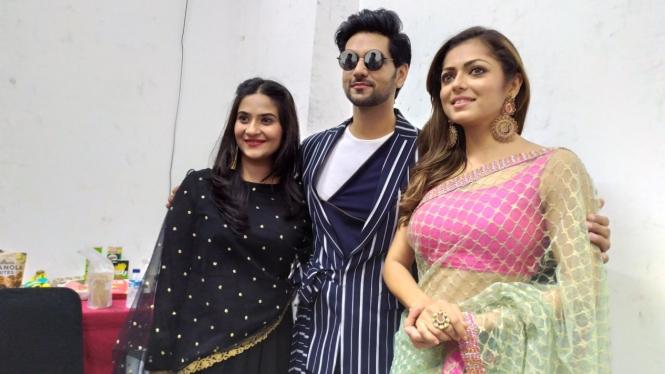Shakti Arora, Drashti Dhami, dan Aditi Sharma.