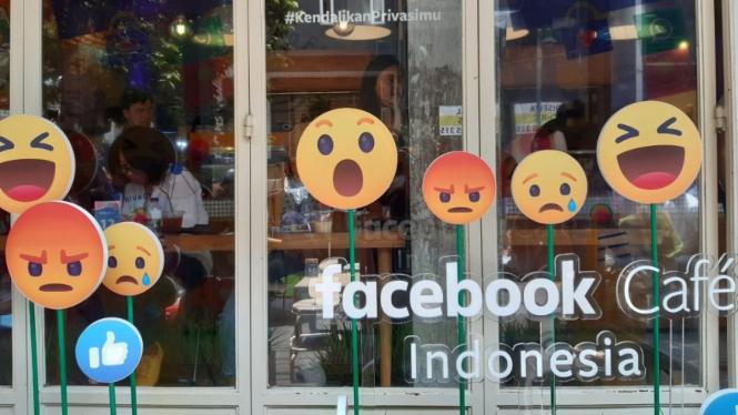 Facebook Cafe Indonesia