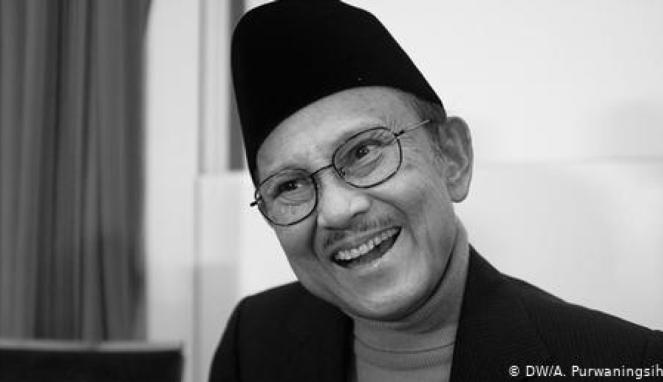 https://thumb.viva.co.id/media/frontend/thumbs3/2019/09/14/5d7c218951837-sosok-habibie-di-mata-indonesia-jerman_663_382.jpg