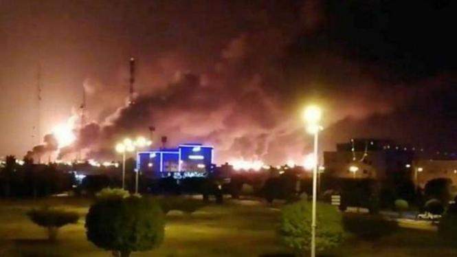 Pusat Minyak Terbesar Dunia Saudi Aramco Meledak Hebat Diserang Drone