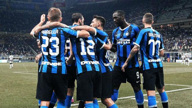 .Para pemain Inter Milan merayakan gol/