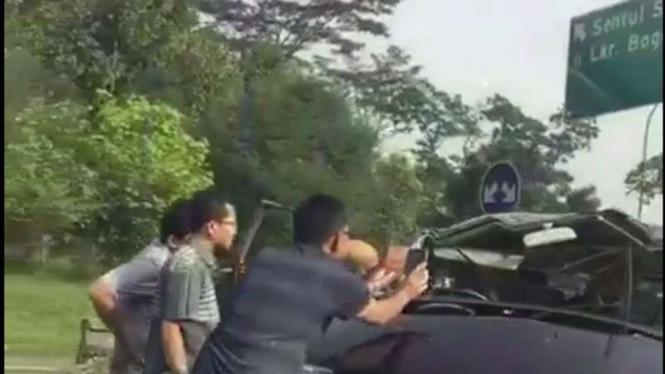Kecelakaan di Tol Jagorawi