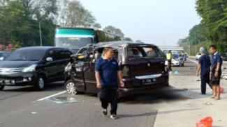 Kecelakaan Suzuki APV di Tol Jagorawi