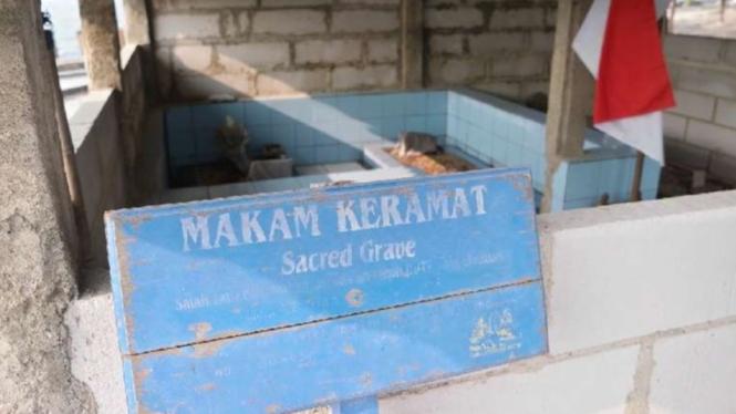 Makam Keramat di Pulau Seribu