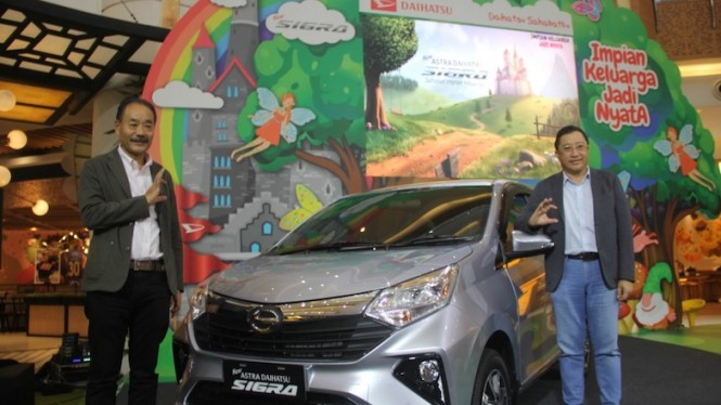 Peluncurkan New Astra Daihatsu Sigra, Senin (16/9) di Summarecon Mall Serpong.