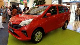 PT Astra Daihatsu Motor masih menawarkan mobil Sigra bermesin 1.000cc