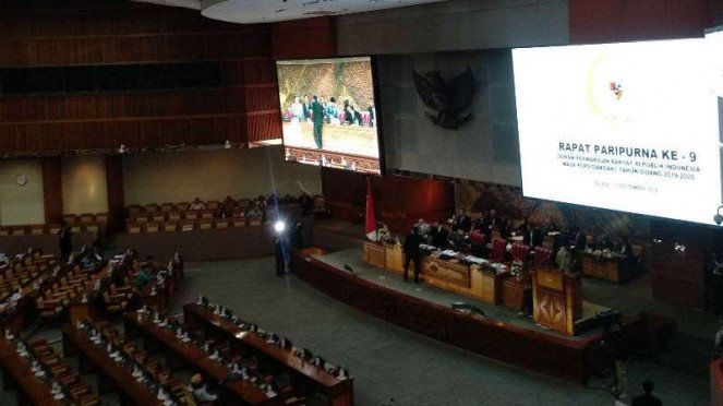 SIdang Paripurna pengesahan RUU KPK di gedung DPR RI.