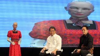 Melihat Robot Tercerdas di Dunia Kenakan Kebaya, Robot Sophia
