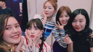 Beby Tsabina bersama Red Velvet