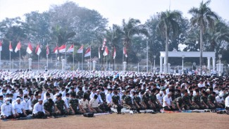 Sholat Istisqa di Halaman Griya Agung Palembang (FOTO: Istimewa)