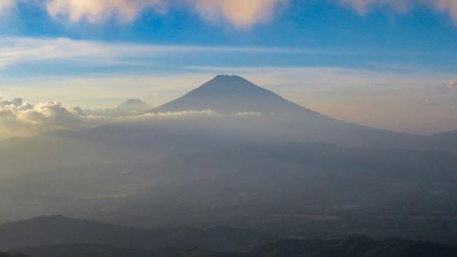 Pemandangan Gunung Sumbing