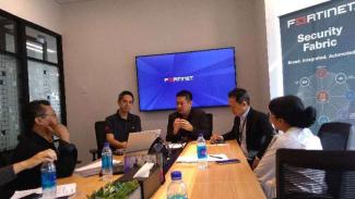 Diskusi Fortinet Indonesia.