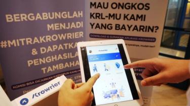 https://thumb.viva.co.id/media/frontend/thumbs3/2019/09/21/5d860048567cb-krowrier-adopsi-crowdsourcing-mitranya-pengguna-klr-transjakarta_375_211.jpg