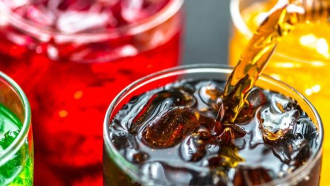 minuman yang dihindari sewaktu diet