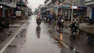 Hujan di Kecamatan Rangsang dan Tebing Tinggi Timur, Kepulauan Meranti, Riau.