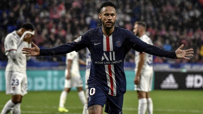 Striker PSG, Neymar