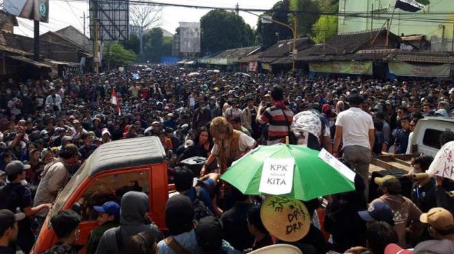 Aksi #GejayanMemanggil di Yogyakarta.