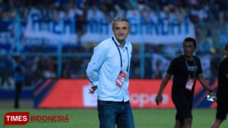 Pelatih Arema Fc, Milomir Seslija, (FOTO: Tria/TIMES Indonesia)