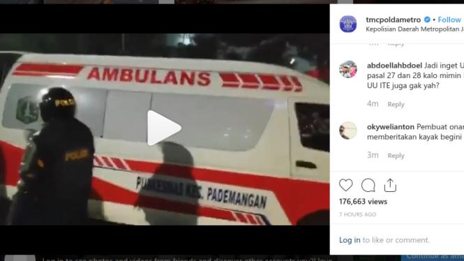 Video ambulance DKI Jakarta dituding bawa batu untuk demonstran