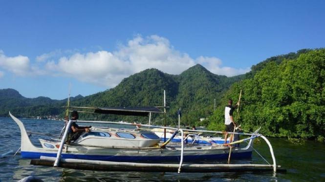 Perahu Penolong Kampung Binalu.