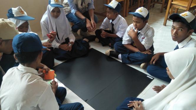 Siswa Sekolah Menengah Pertama (SMP) di Natuna