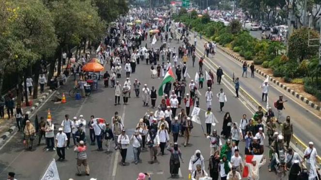 Massa aksi Mujahid 212.