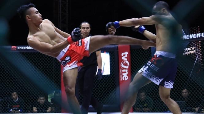 Pertarungan Ahmad Sopiyan vs Muhammad Sanjaya