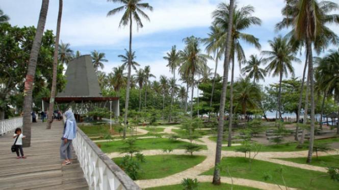 Wisata Pantai Grand Watu Dodol (GWD) Banyuwangi