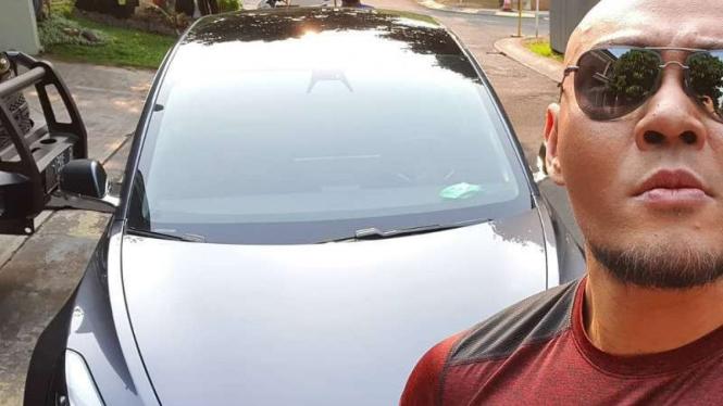 Deddy Corbuzier dan mobil barunya, Tesla Model 3