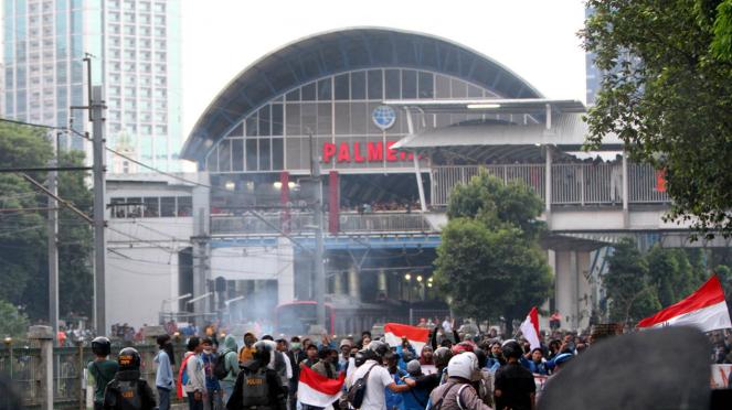 Demo Pelajar Tolak RKUHP dan UU KPK Rusuh di Palmerah