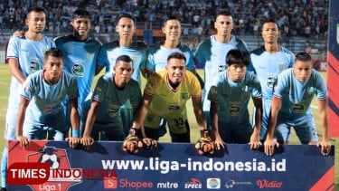 https://thumb.viva.co.id/media/frontend/thumbs3/2019/09/30/5d921753700cd-lawan-persija-ditunda-manajemen-persela-rugi_375_211.jpg