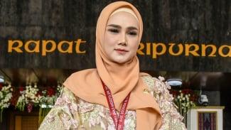 Mulan Jameela dilantik sebagai Anggota DPR RI