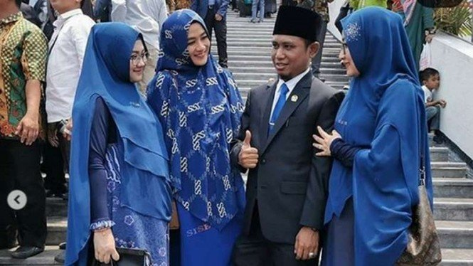 Lora Achmad Fadil Muzakki Syah