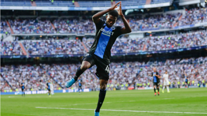 Selebrasi pemain muda Club Brugge, Emmanuel Dennis, yang tiru gaya Ronaldo