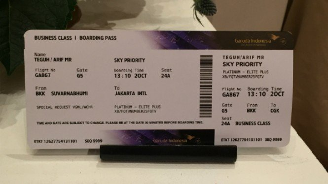 Boarding pass tema batik Garuda Indonesia