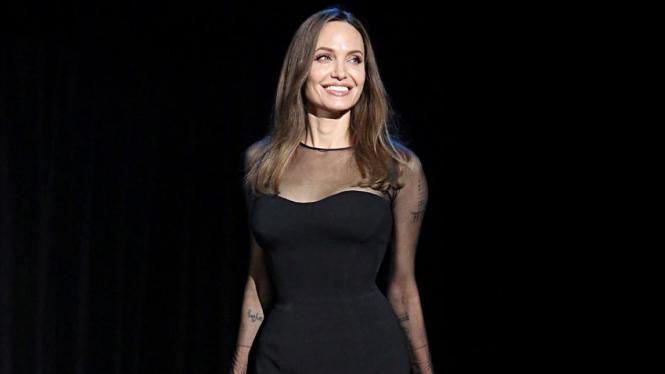 Disindir Brad Pitt di SAG Awards 2020, Angelina Jolie Sakit Hati
