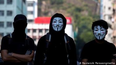 https://thumb.viva.co.id/media/frontend/thumbs3/2019/10/03/5d95f883c590b-otoritas-hong-kong-akan-larang-penutup-wajah-saat-unjuk-rasa_375_211.jpg
