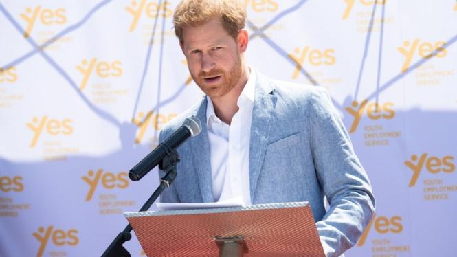 Takut Meghan Bernasib Kayak Ibunya, Pangeran Harry Lakukan Hal 'Tabu'
