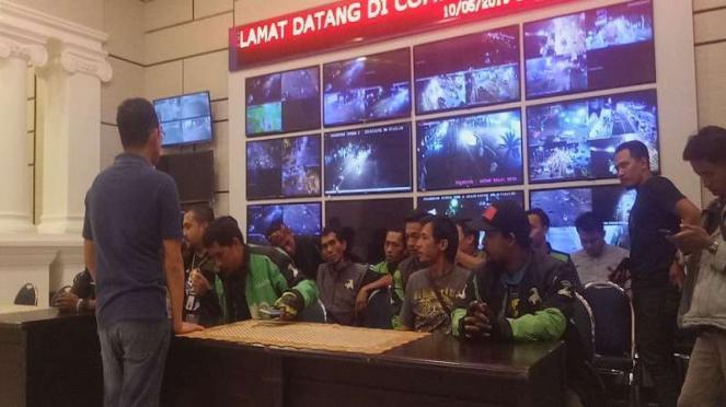 Komunitas ojek online mendatangi Polres Bogor Kota