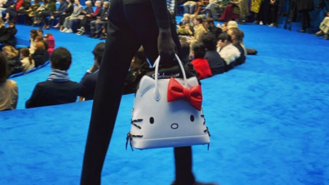 Tas Hello Kitty Balenciaga