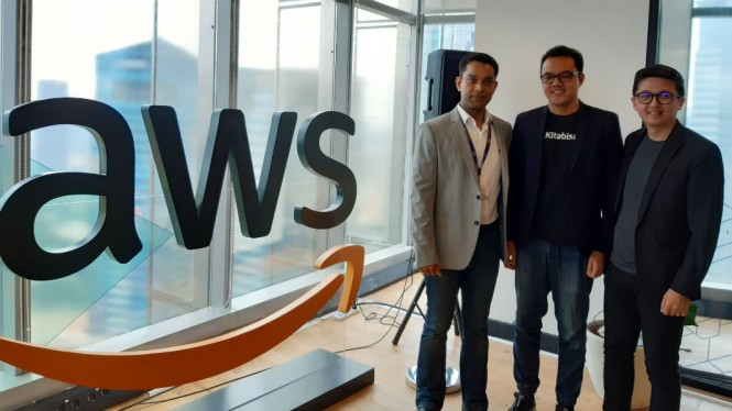 Amazon Web Services (AWS).