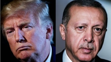 https://thumb.viva.co.id/media/frontend/thumbs3/2019/10/08/5d9bfd89eaddc-trump-ancam-akan-musnahkan-ekonomi-turki-terkait-rencana-operasi-militer-ke-suriah_375_211.jpg