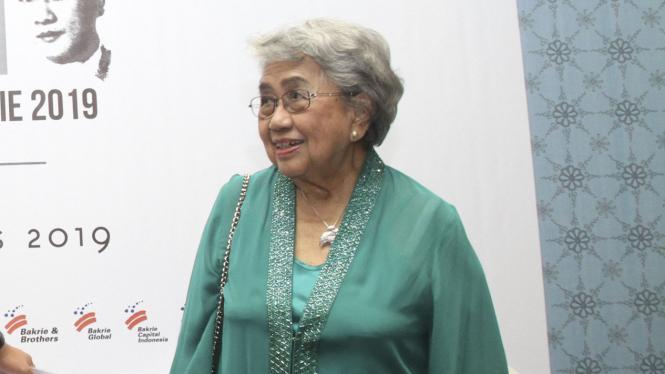 DR. Anna Alisjahbana