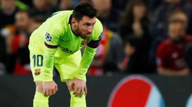 Ekspresi kecewa megabintang Barcelona, Lionel Messi, usai kalah dari Liverpool