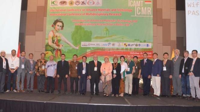 Para peserta & panitia Konferensi Internasional ICAMT-ICMR 2019